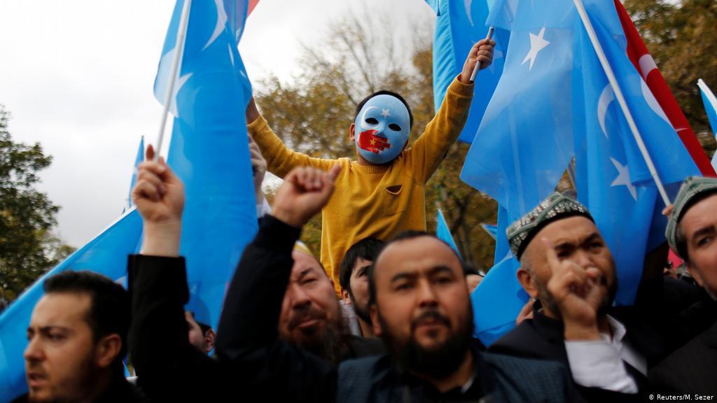 Çin'in Uygur Türklerine yaptıklarını ''soykırım'' olarak tanıdı.