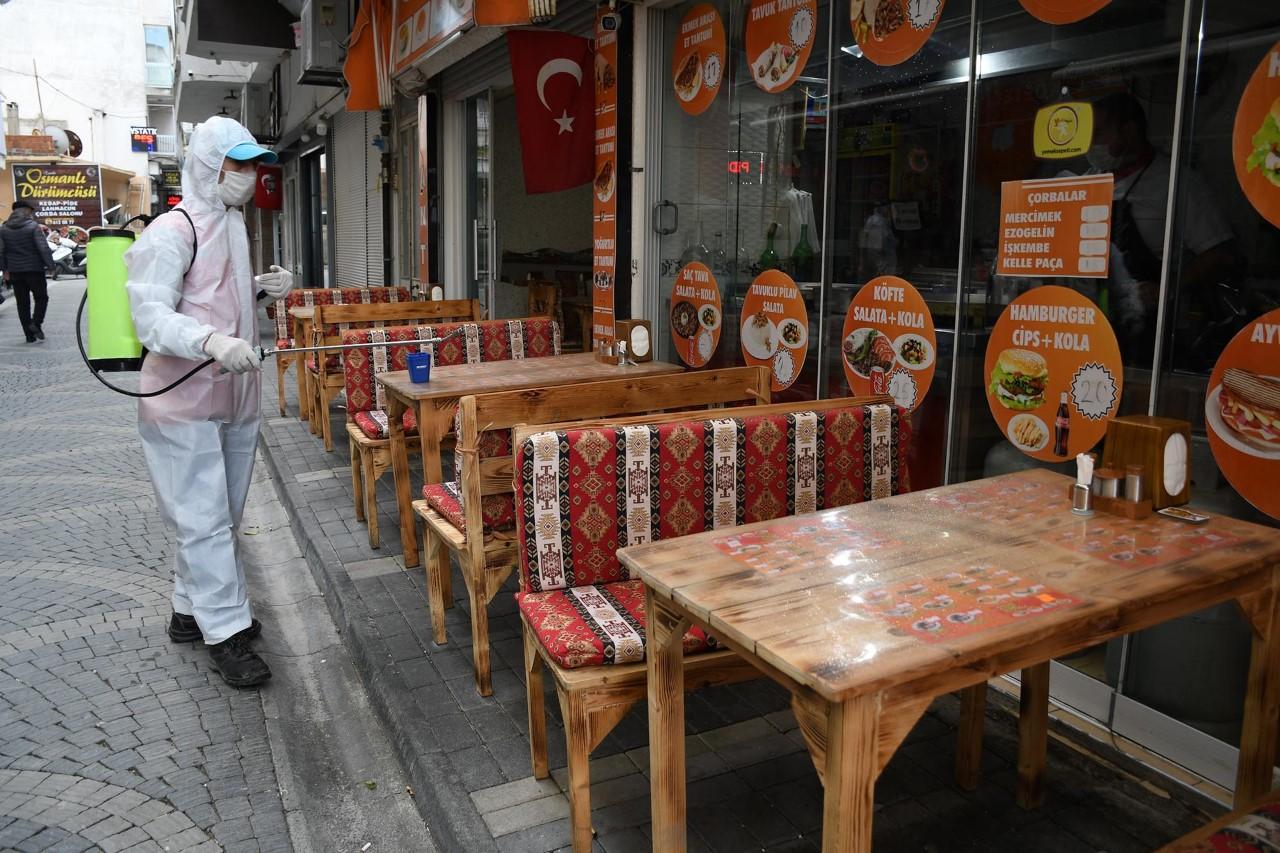 """KUŞADASI BELEDİYESİ'NDEN """"NORMALLEŞME"""" MESAİSİ"""