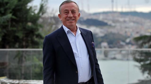 Ali Ağaoğlu'nun 1 milyon dolarlı doğum günü pastası topa tutuldu