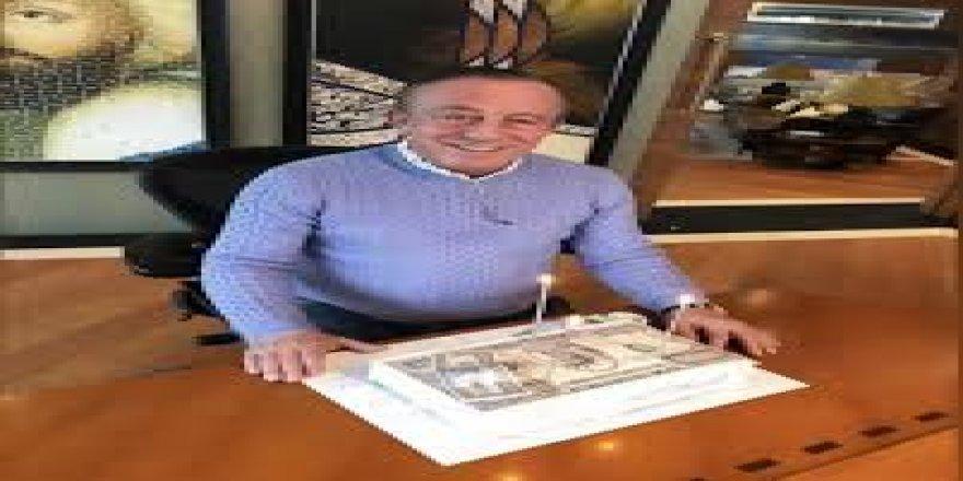 Ali Ağaoğlu'na 1 milyon dolarlık pasta!