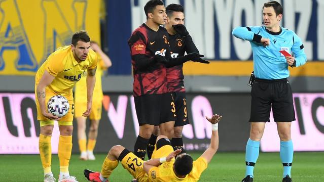 PFDK, Ankaragücü maçında kırmızı kart gören G.Saraylı Mohamed'e 1 maç ceza verdi