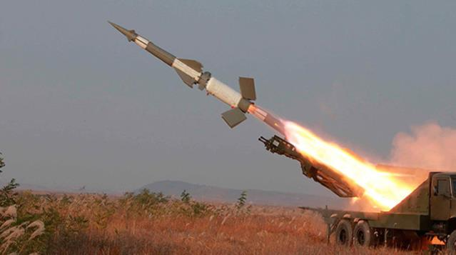 Suriye'nin kuzeyine peş peşe balistik füze saldırı