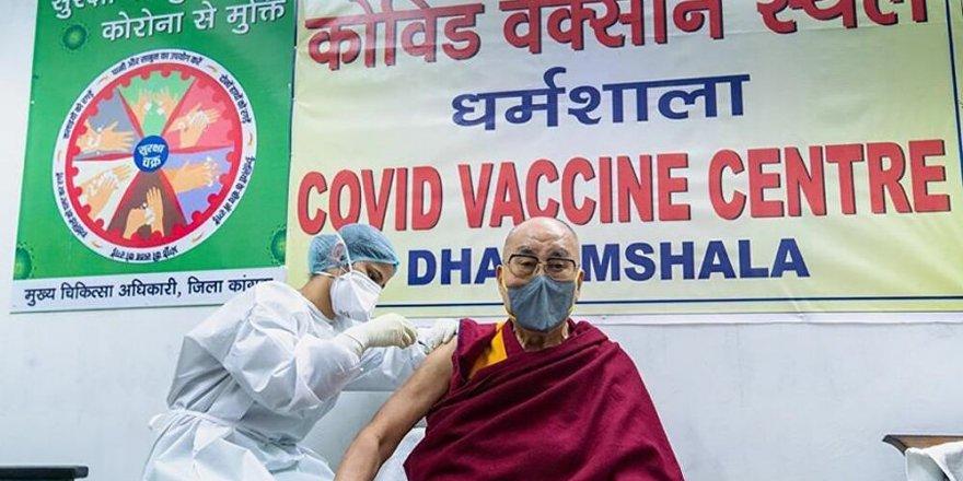 Dalay Lama, koronavirüs aşısı oldu