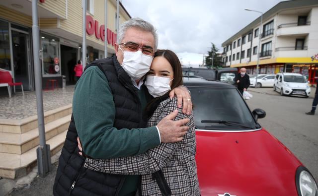 Bıraktığı sigaranın parasıyla kızının hayalini gerçekleştirdi