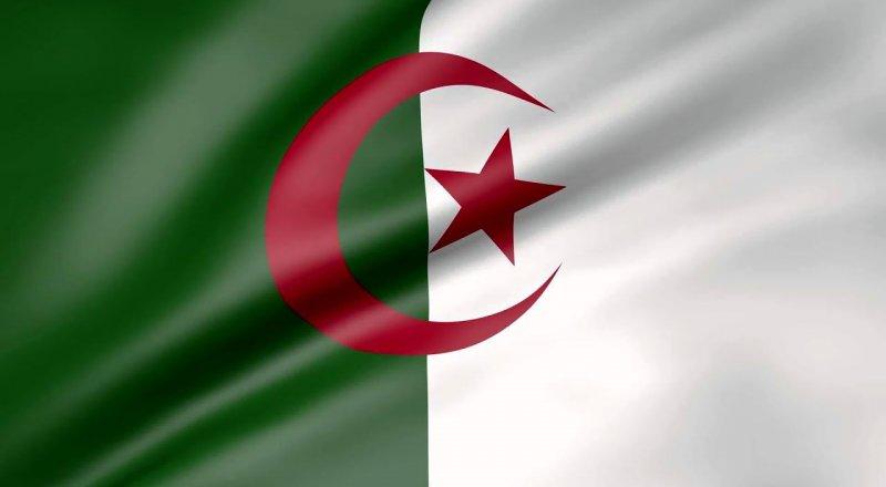 CEZAYİR, FRANSA'DAN ÜLKENİN GÜNEYİNDE 1960 YILINDA YAPTIĞI NÜKLEER DENEMELERDEN OLUŞAN ATIKLARI TOPLAMASINI İSTEDİ