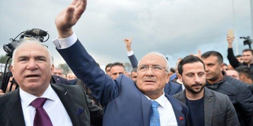 Mersin'de Burhanettin Kocamaz'ın DP'den aday olamayacağı ileri sürüldü