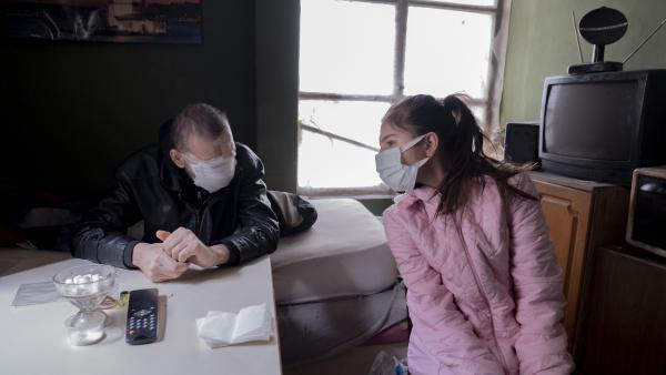 Cilt kanserinden yüzünü kaybeden baba: Kızımı öpmeyi çok özledim