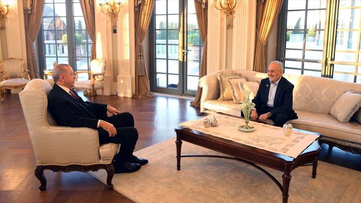 Cumhurbaşkanı Erdoğan, Saadet Partisi Yüksek İstişare Kurulu Başkanı Asiltürk'ü Kabul Etti