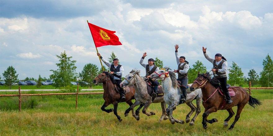Astana'da Türk dünyası kurultayı