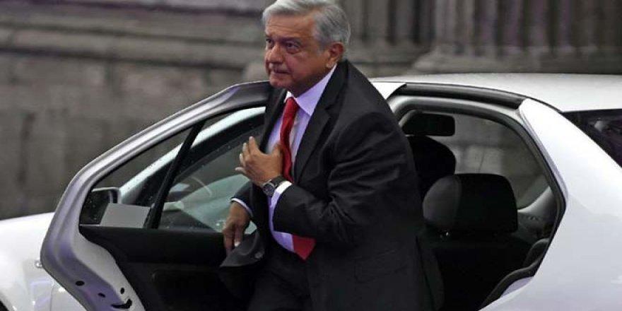 Devlet başkanı makam araçlarını tek tek sattı