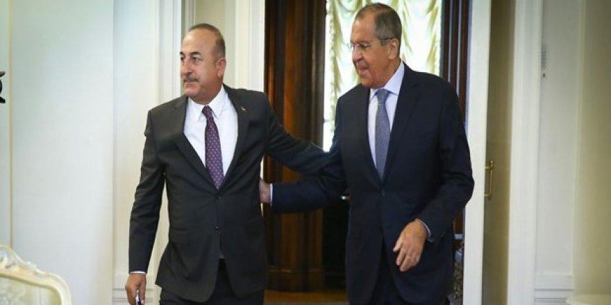 Çavuşoğlu-Lavrov'la Suriye'yi görüştü
