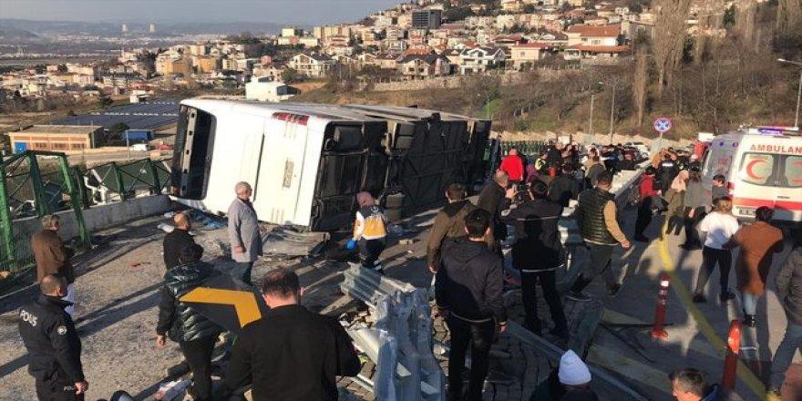 Bursa'da Uludağ yolunda otobüs devrildi! Yaralılar var