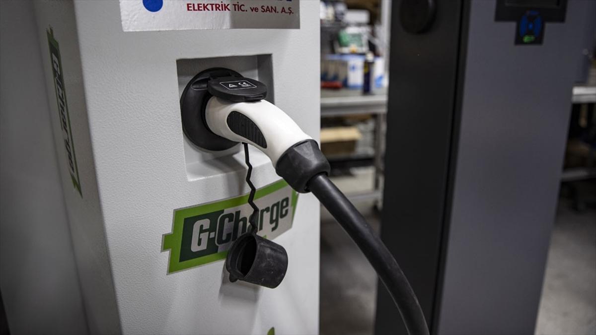Tam Kapanma Döneminde Elektrikli Ve Hibrit Araçlar İçin Şarj Uyarısı