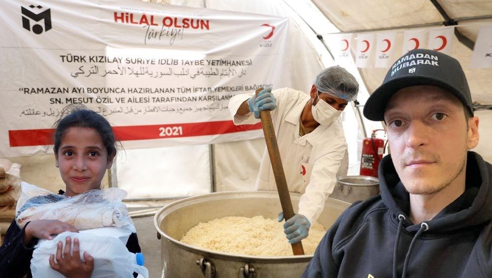 Mesut Özil'den Suriyeli yetimlere iftar sofrası