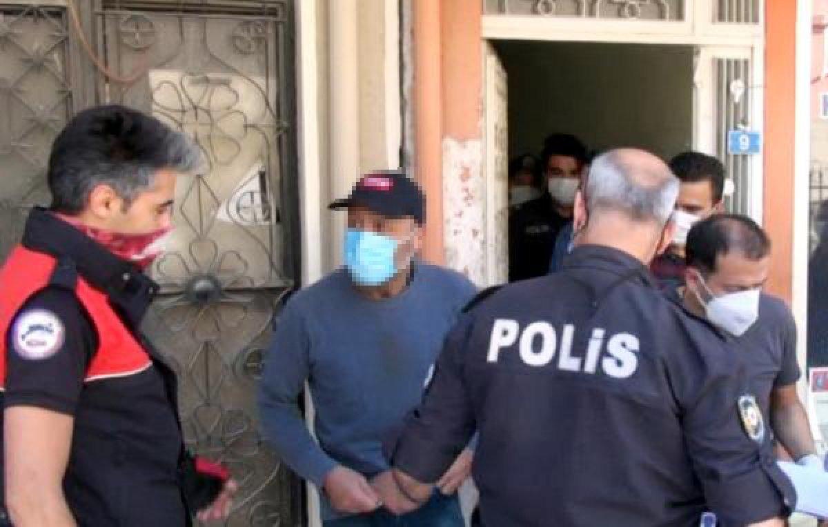 Burdur'da çıplak kişi, polisi harekete geçirdi
