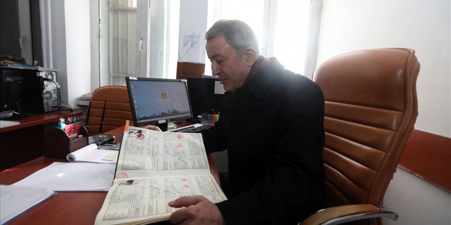 Millî Savunma Bakanı Hulusi Akar Anılarını Tazeledi