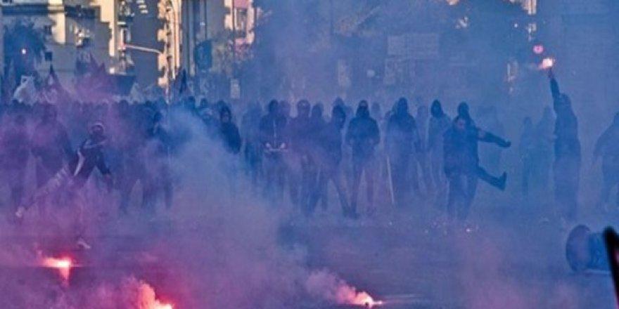 İtalya'da ırkçılık karşıtı gösteri
