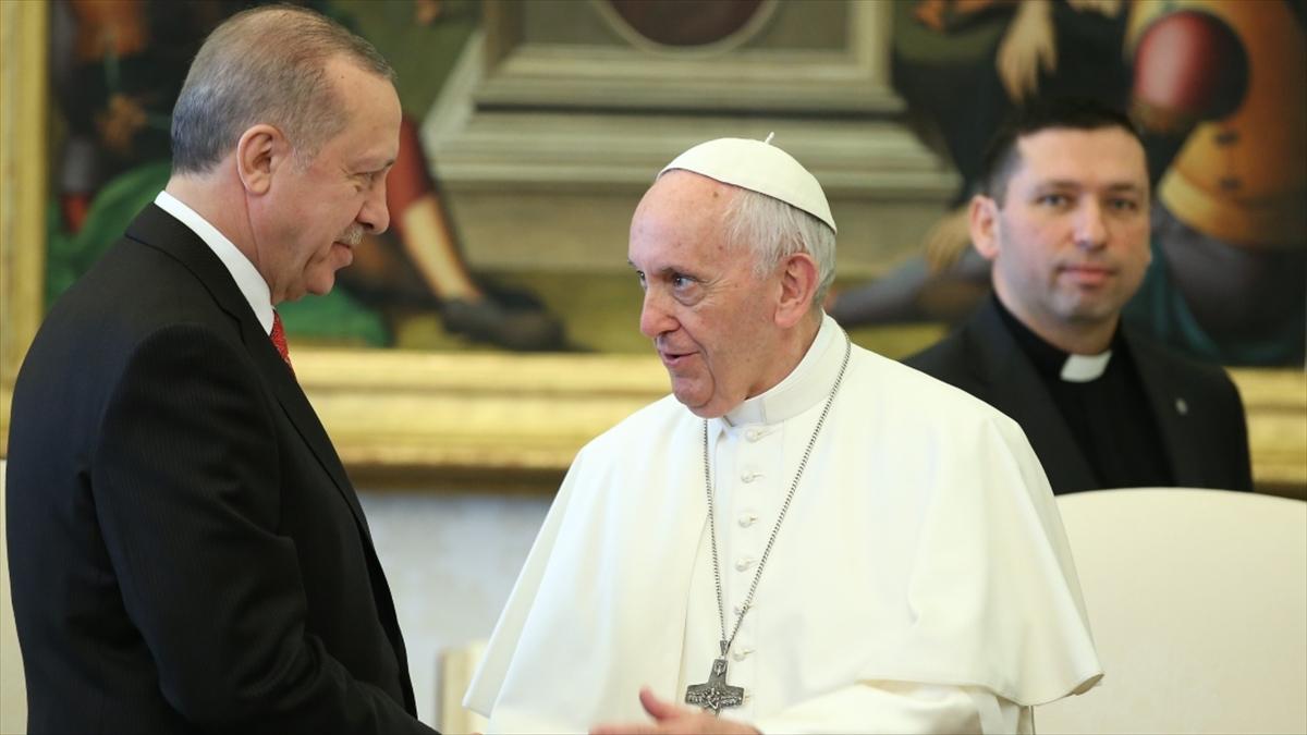 Cumhurbaşkanı Erdoğan, Papa Fransuva İle İsrail'in Filistin'e Yönelik Saldırılarını Görüştü