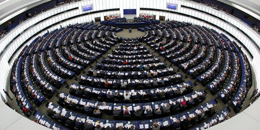 Avrupa Parlamentosu'nda Türkiye ile müzakerelerin askıya alınmasını öneren rapor kabul edildi