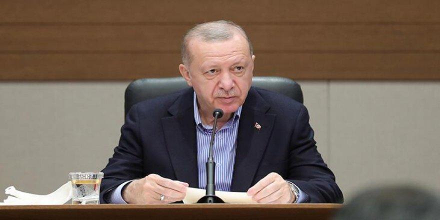 Erdoğan'dan gazeteciye: Maskeni Çıkar!