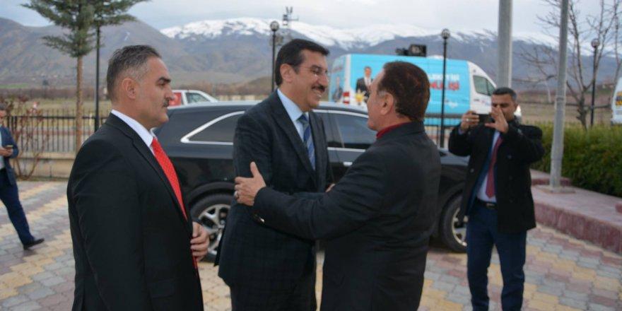 "AK Parti'li başkan adayından AK Parti'li vekillere ""şaibeli"" suçlaması"