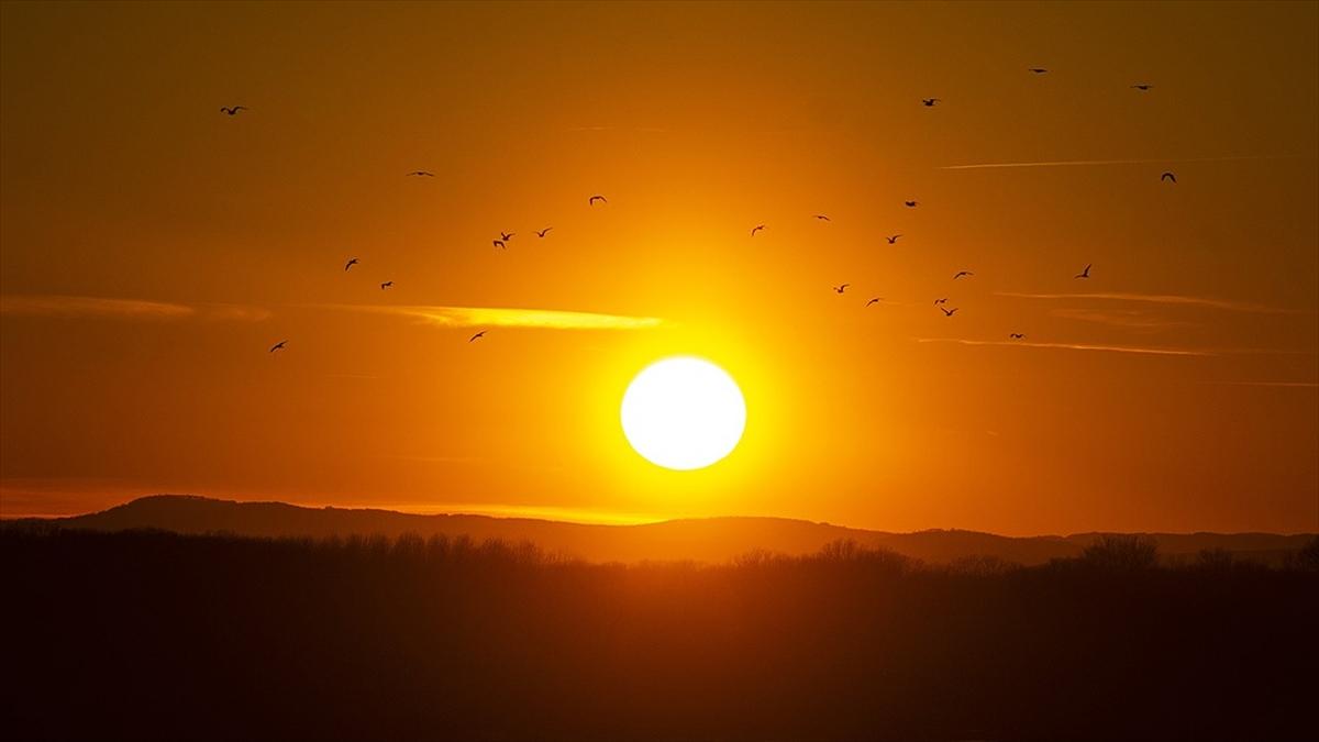 Nasa: Dünya'nın Güneş'ten Gelen Isıyı Tutma Miktarı 14 Yılda İki Kat Arttı