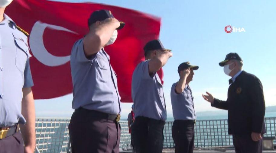 """Milli Savunma Bakanı Akar'dan """"Mehmetçik görevinin başında"""" mesajı"""