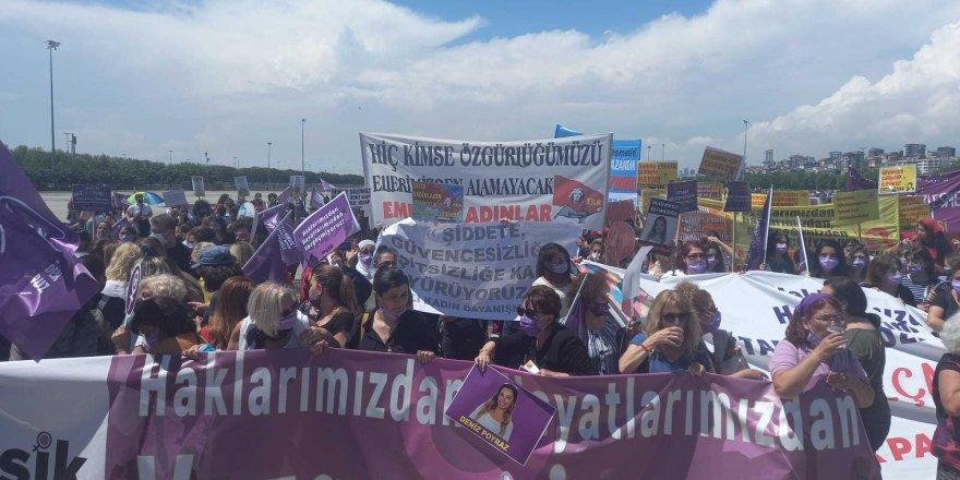 Binlerce Kadın Maltepe'de buluştu