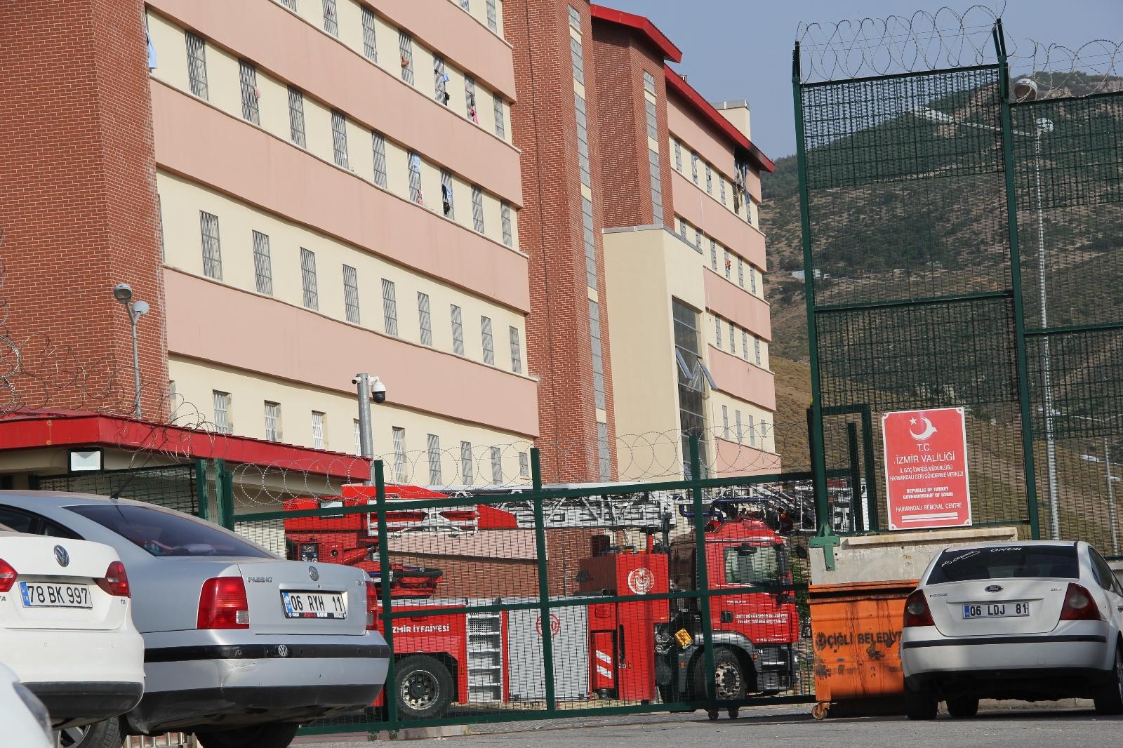 Geri Gönderme Merkezindeki yangında 1 sığınmacı hayatını kaybetti