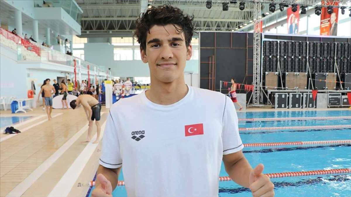 Milli Yüzücü Yiğit Aslan Olimpiyatlara Katılma Vizesini Edirne'deki Havuzdan Çıkardı