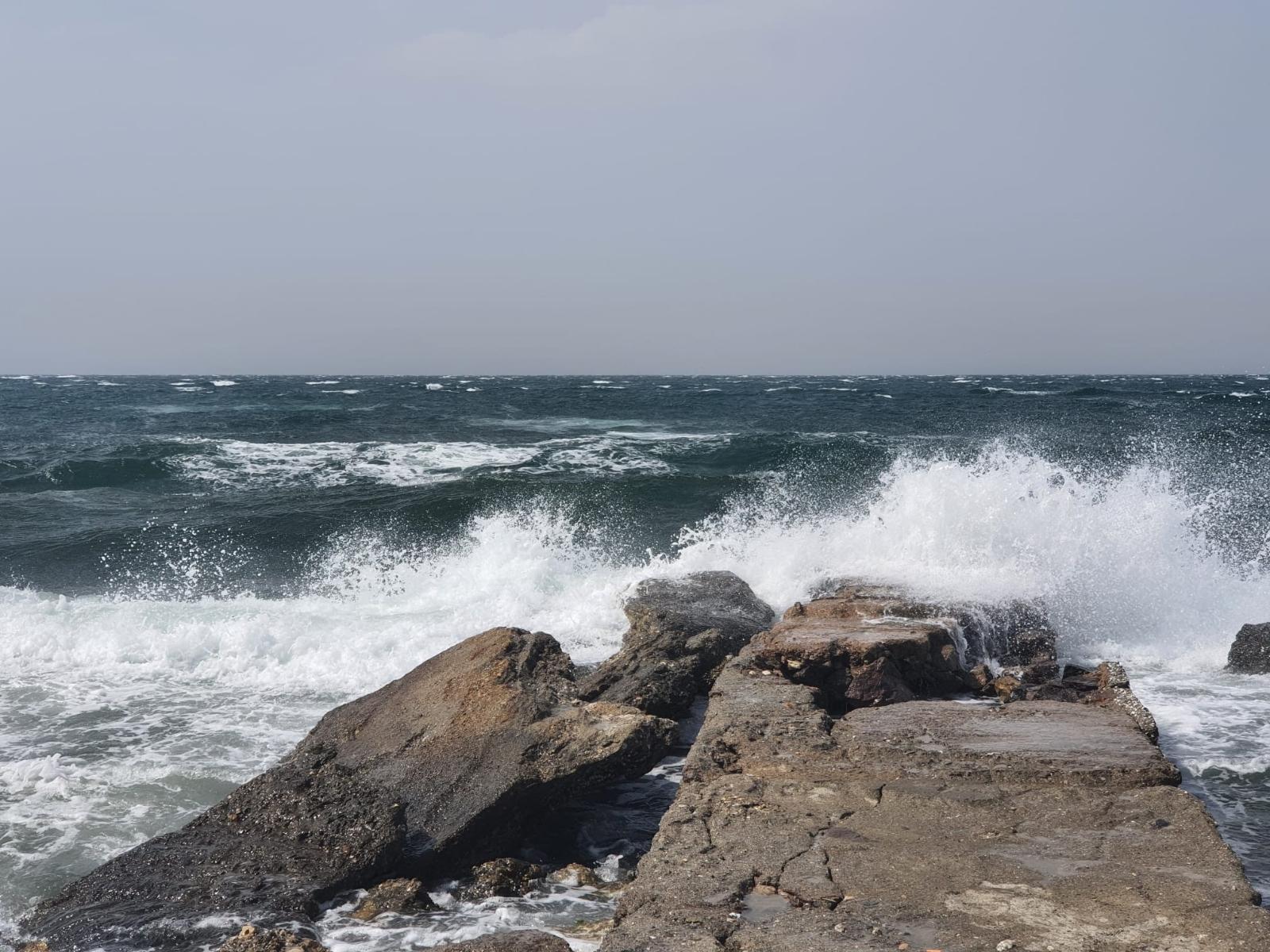 İzmir'e fırtına bir anda geldi, ortalığı yıktı geçti