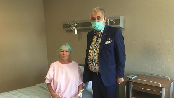 Safiye Soyman sol gözünden ameliyat oldu