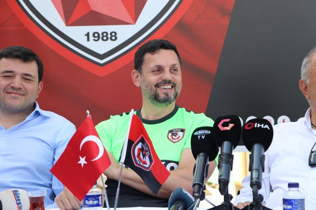 """Erol Bulut: """"Milli Takımın performansı beni şok etti"""""""