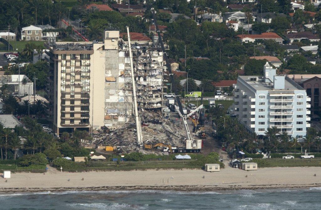 Florida'da çöken binada ölü sayısı 9'a yükseldi