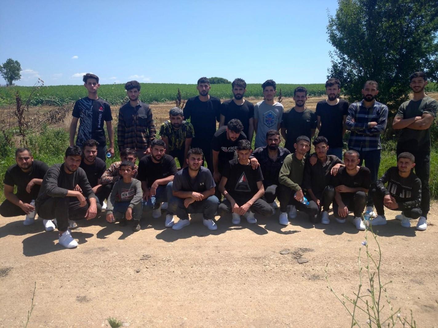 """MSB: """"Yunanistan'dan Türkiye'ye Geçmeye Çalışan 42 Düzensiz Göçmen Grubu Yakalandı"""""""
