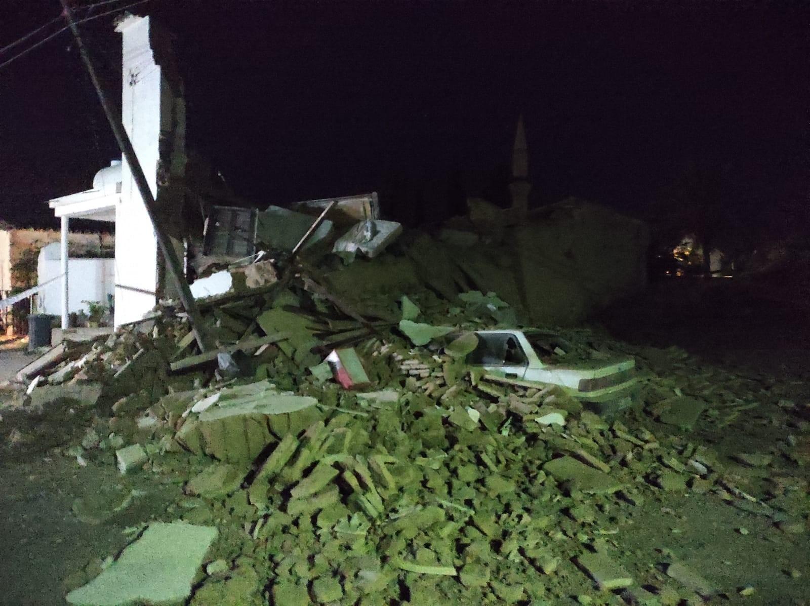 KKTC'de 2 Katlı Bina Çöktü: 1 Ölü
