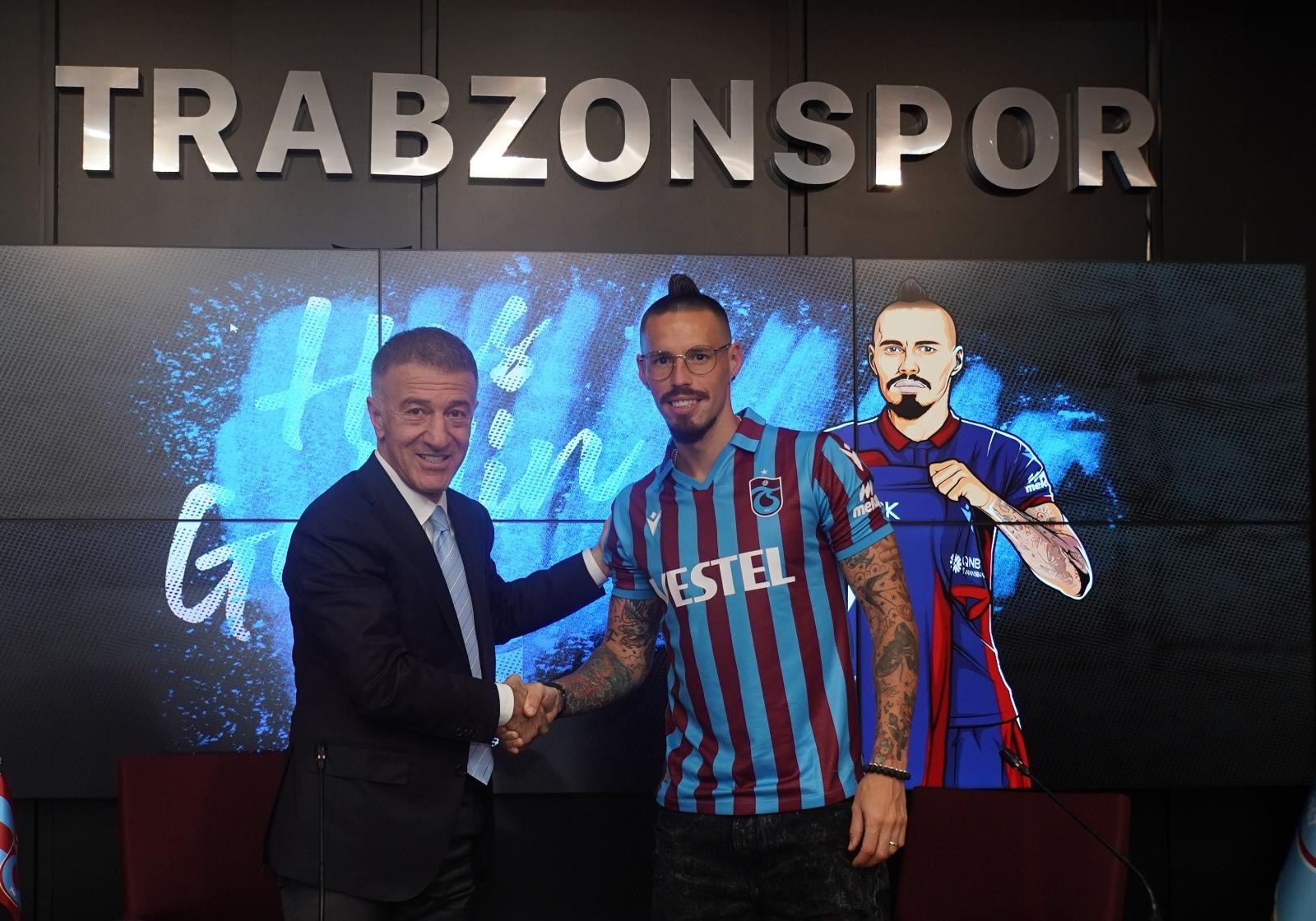 Trabzonspor'da Marek Hamsik İmzayı Attı