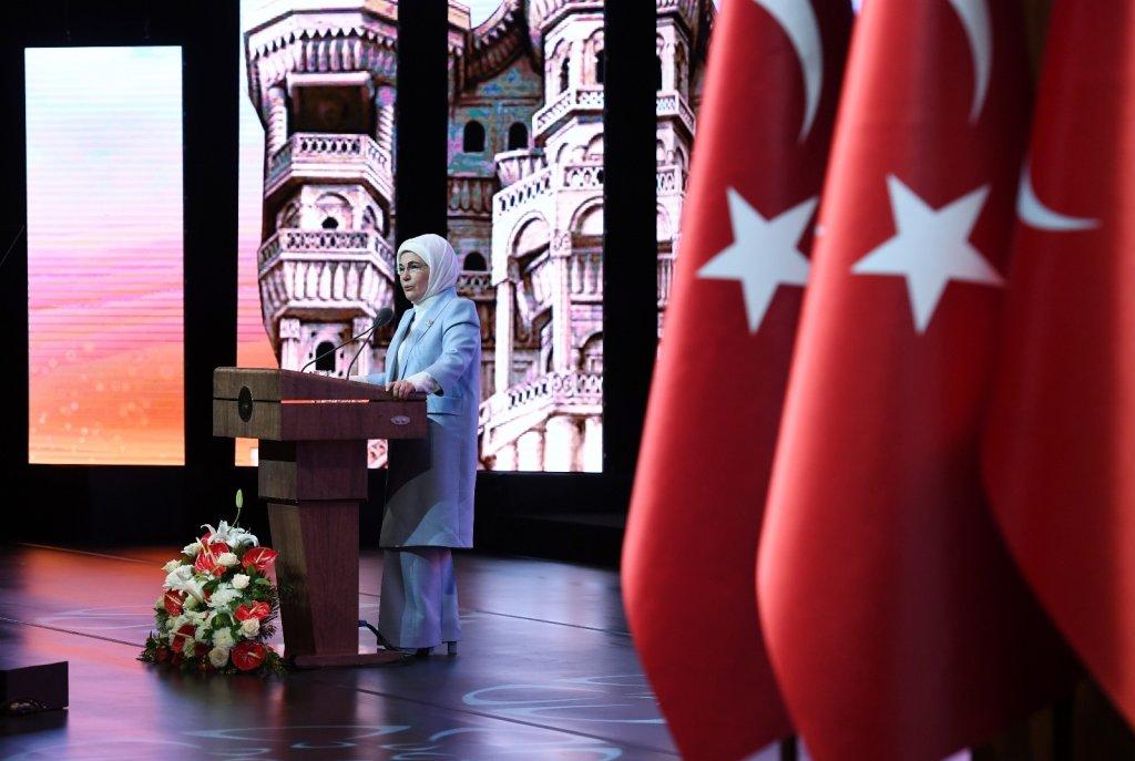 """Emine Erdoğan: """"Çocuklara yönelen kirli ellere asla toleransımız yoktur"""""""