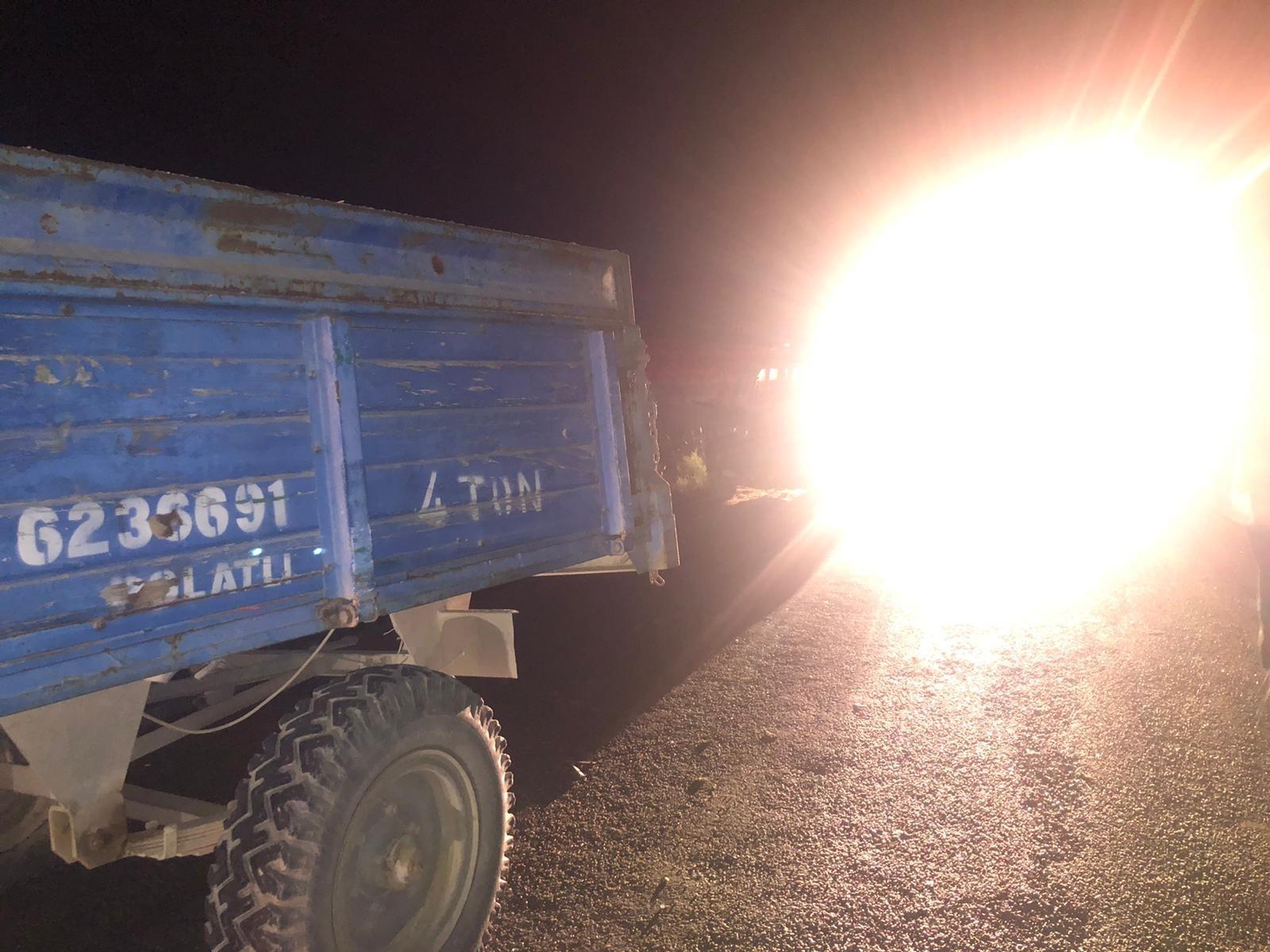 Traktöre Çarpan Otomobilin Sürücüsü Öldü