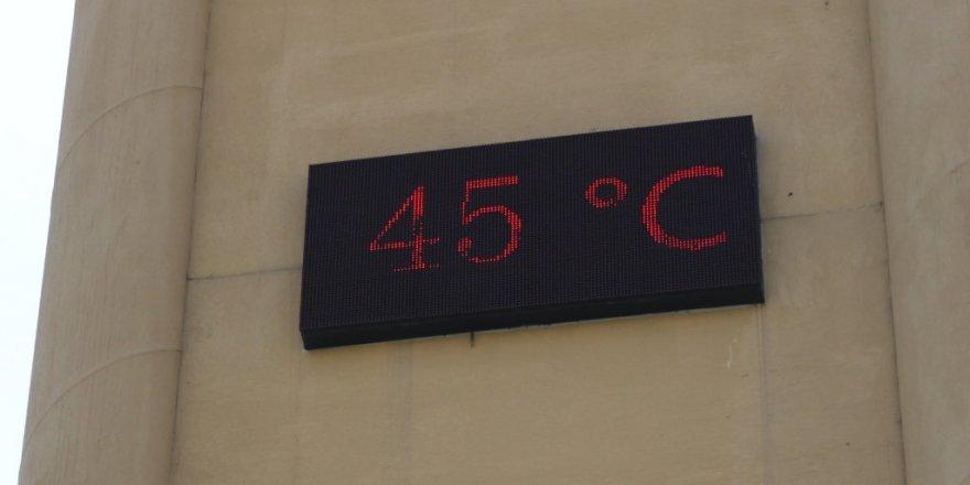Termometreler 45 dereceyi gösterdi, uzmanlar uyardı