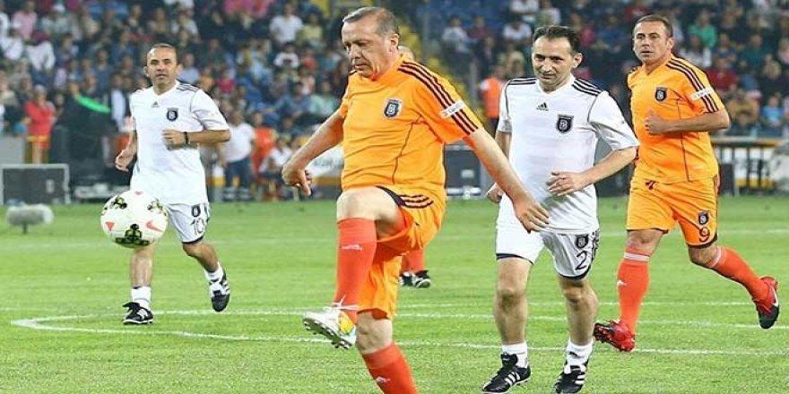Erdoğan, Fenerbahçe sorusuna güldü, Başakşehir'i şampiyon ilan etti