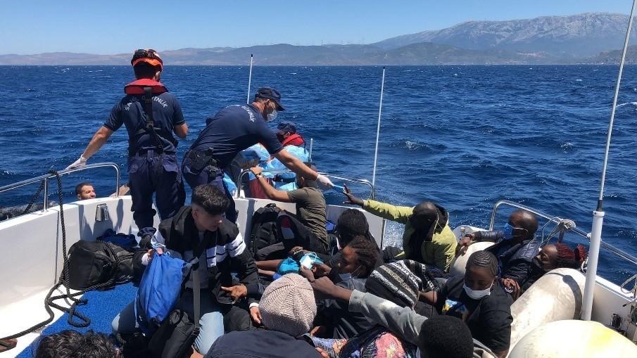 Yunan Unsurlarının Ölüme Terk Ettiği 26 Göçmen Kurtarıldı