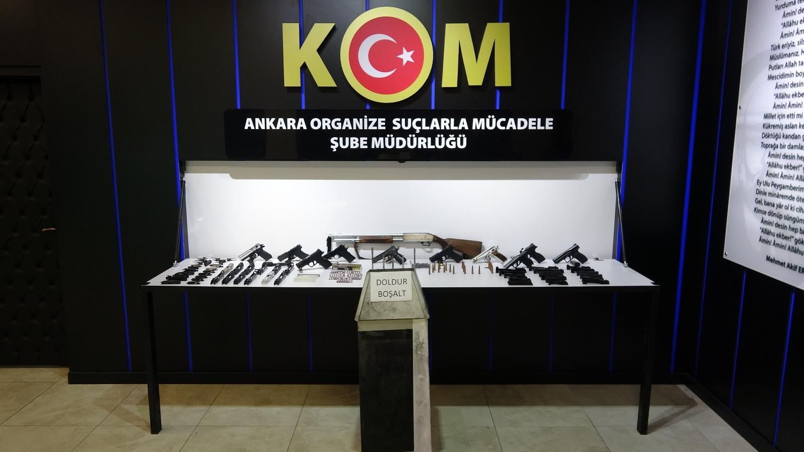 Ankara'da Yasa Dışı Silah Ticareti Yapan 15 Kişiye Gözaltı