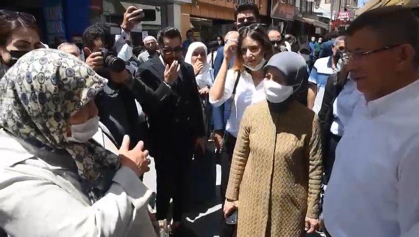 Yaşlı kadından Davutoğlu'na sitem