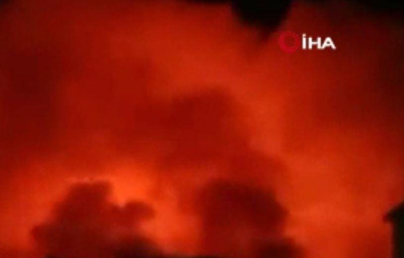 Hindistan'da Sinemada Korkutan Yangın: En Az 2 Yaralı