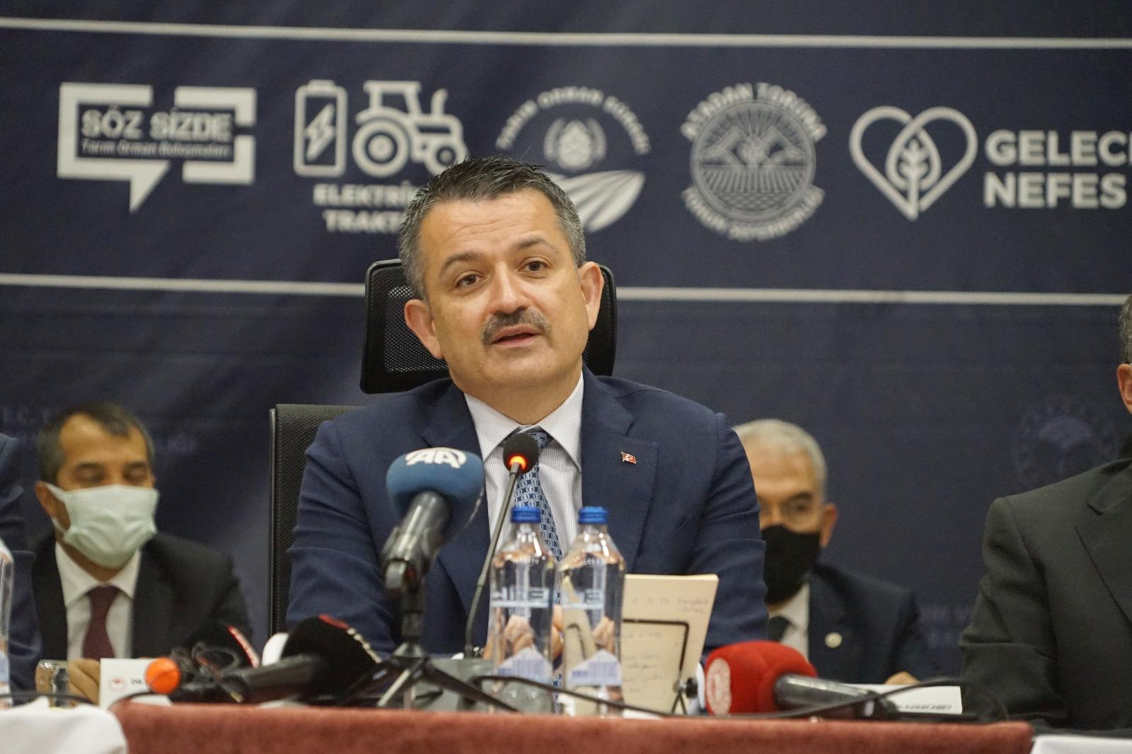 """""""Türkiye'nin Gündeminden İthal Hayvanı Çıkarttık"""""""