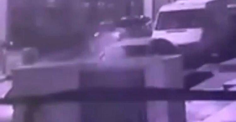 Maltepe'de Çalıntı Motosikletle Kaçan Şahıs Bekçiye Çarparak Yaraladı