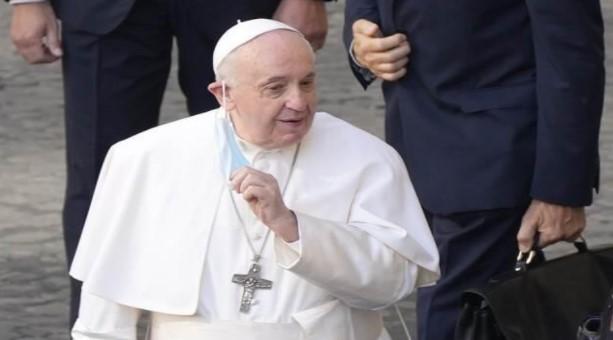 Papa hastaneye kaldırıldı