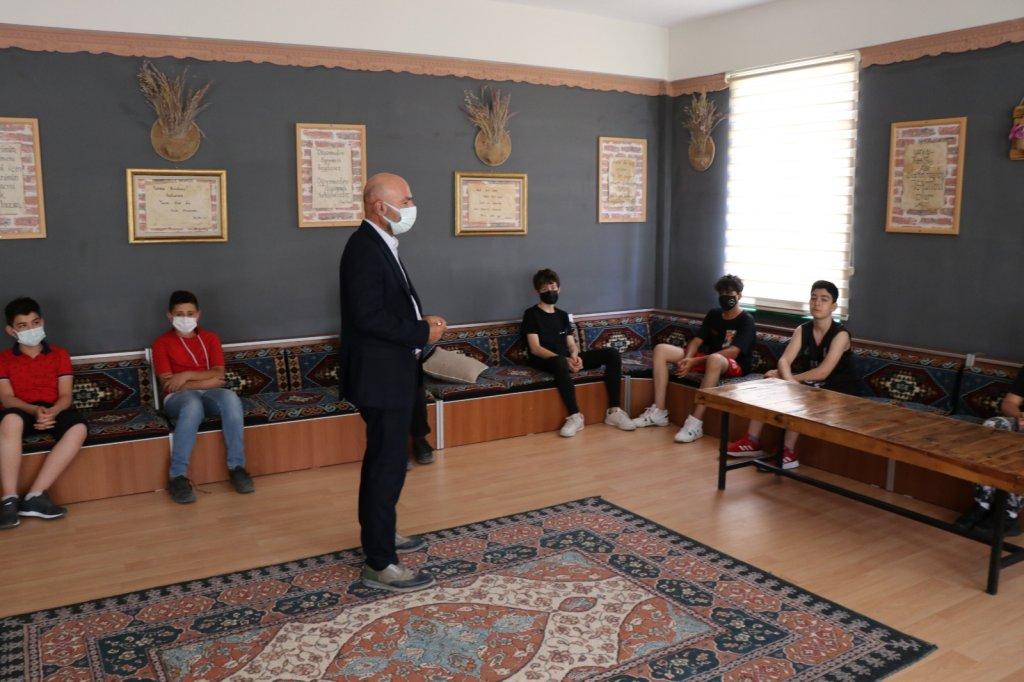 Aksaray'da İmam Hatip Lisesini tercih eden öğrencilere burs