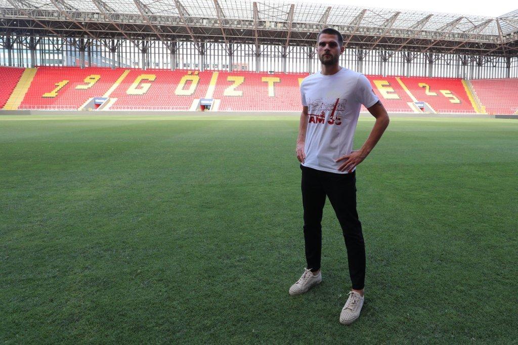 Göztepe, Dino Arslanagic'e imza attırdı